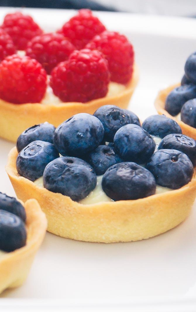 Hindbær- og blåbærtærter