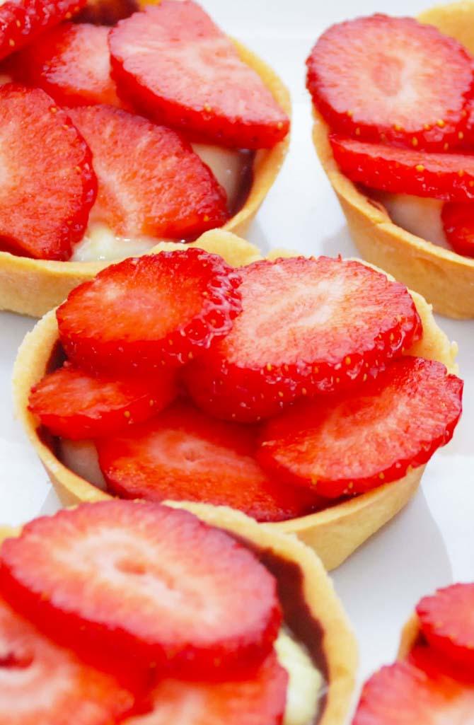 Små jordbærtærter fra Bageglad.dk