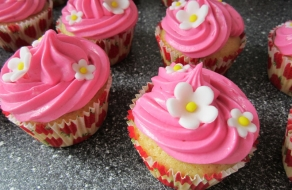 pink-cupcake-blomster
