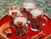 Varm chokolade med kanel flødeskum