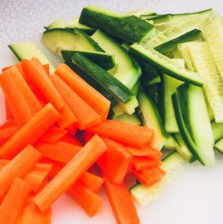 Gulerødder og agurk