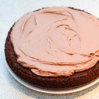Glasur på chokoladelagkage