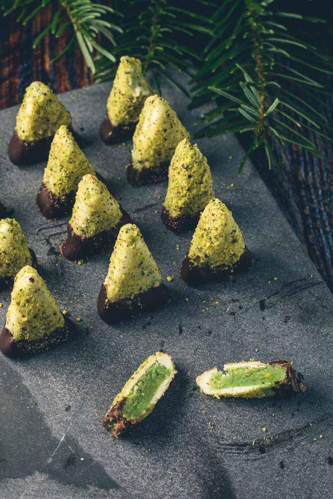 Marcipan juletræer konfekt fra Bageglad