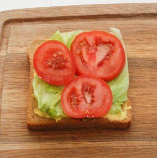Sandwich og tomat