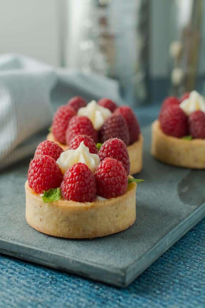 Små hindbær tærter fra Bageglad