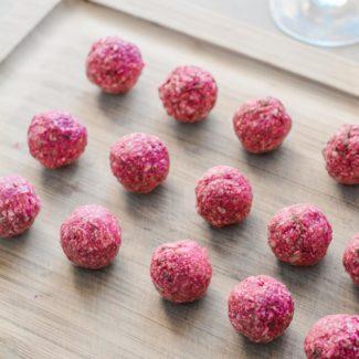 Raw kugler med hindbær