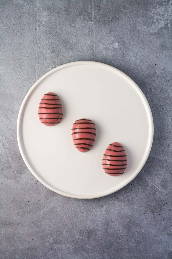 Stribede chokolade påskeæg med ganache